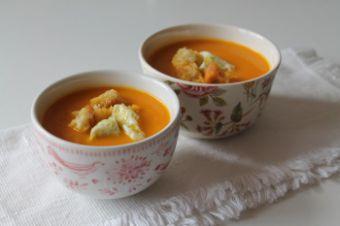 sopa de abobora e tomate .jpg